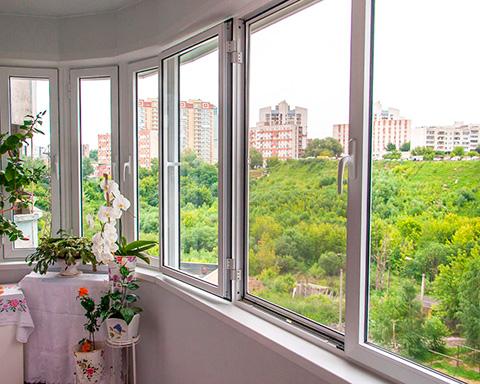 Остекление балконов и лоджий в Москве
